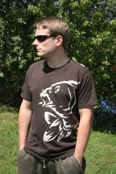 http://shop.profish.com.ua/data/big/c2050-t-shirt_broun.jpg